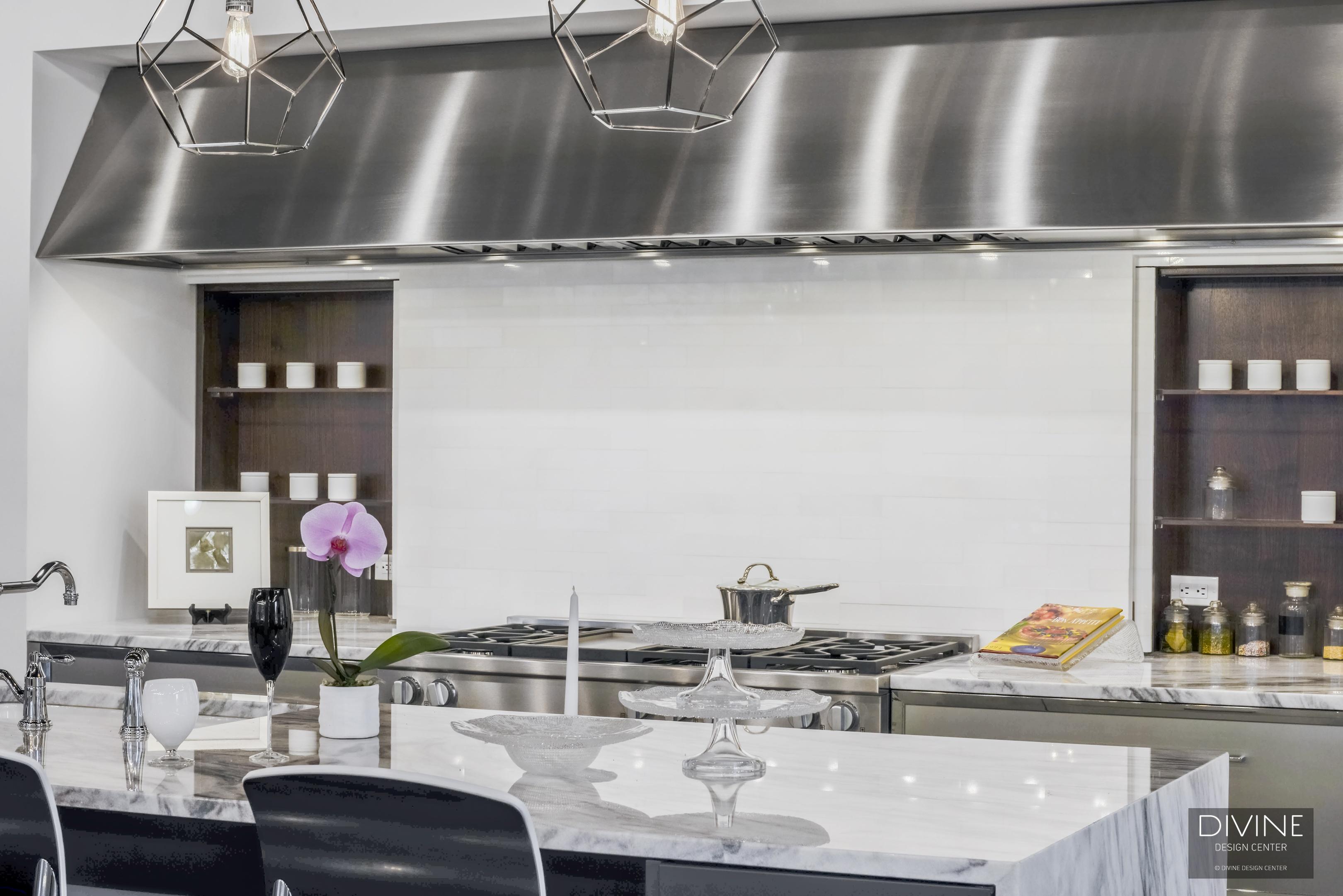 quartzite counter top, range hood, outlets, stainless steel appliances, dark wood, divine design center, TRUFIG outlets, Boston, Massachusetts, kitchen, modern, modern kitchen, pendant lights
